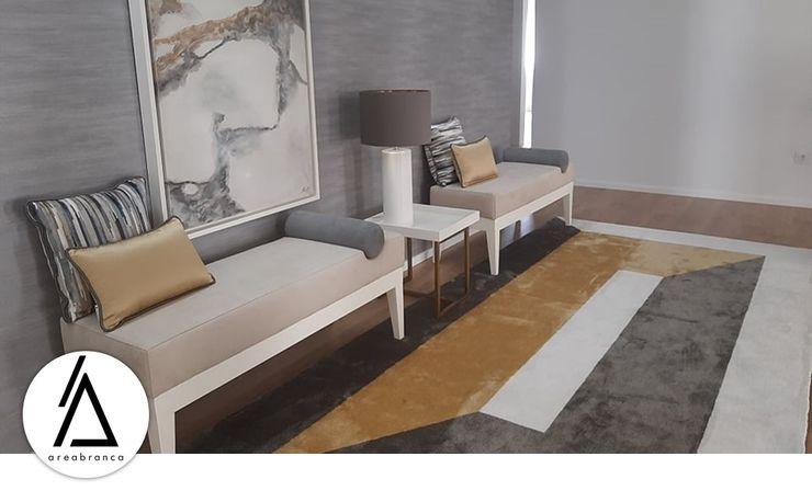 Projeto - Arquitetura de Interiores - Moradia EA Areabranca Corredores, halls e escadas modernos