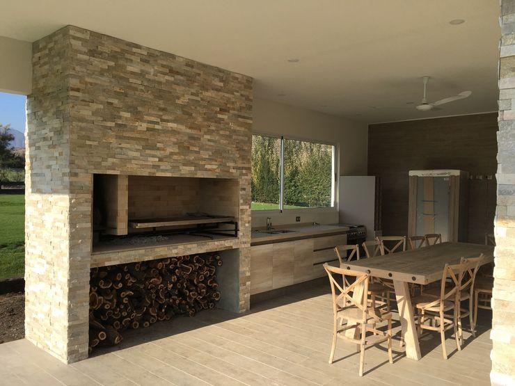 Casa Hacienda Chicurero m2 estudio arquitectos - Santiago Comedores de estilo moderno