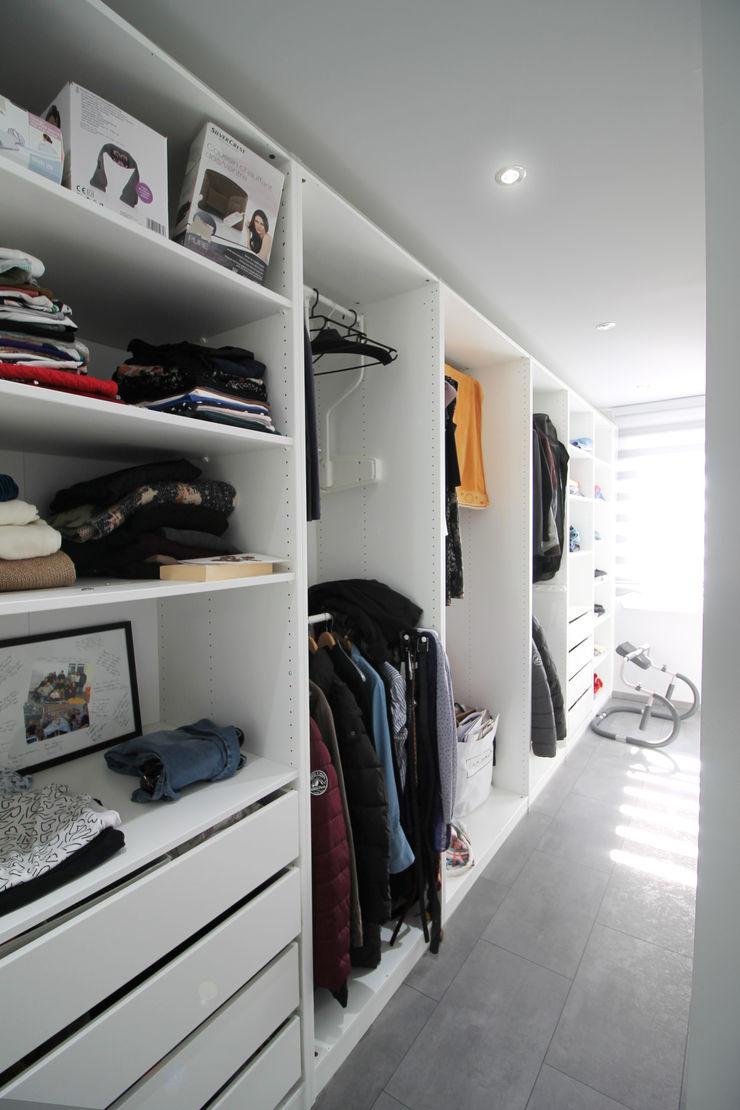 CONSTRUCTION A STRASBOURG Agence ADI-HOME Dressing moderne Bois composite