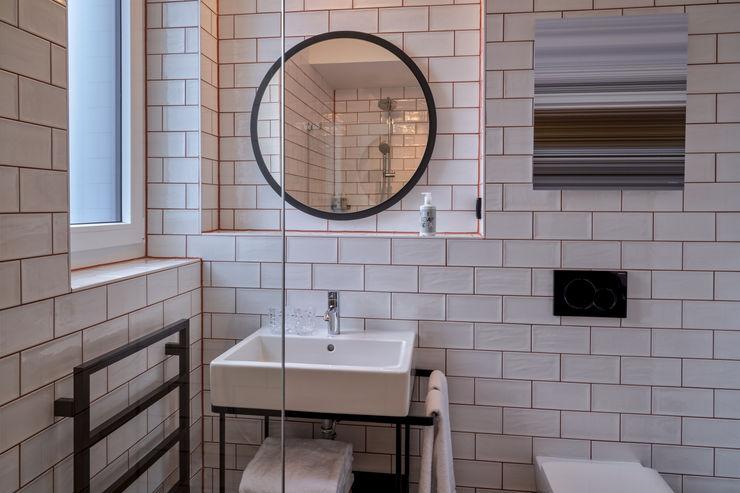 Art / Kunst Konzept - Hotel MARKUS HILZINGER Moderne Badezimmer