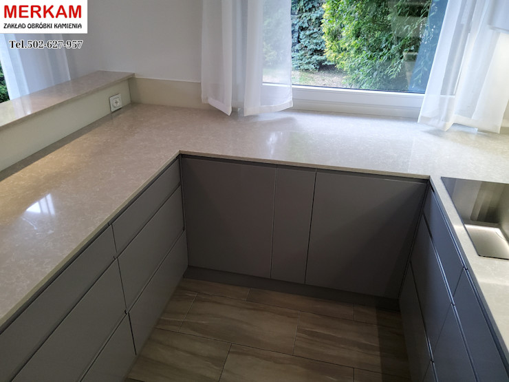 Merkam - Łódź ul. Św. Jerzego 9 Built-in kitchens Quartz Grey