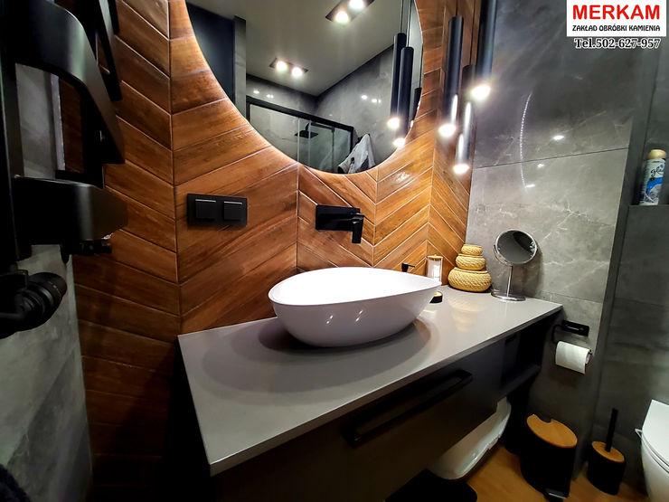Merkam - Łódź ul. Św. Jerzego 9 Tropical style bathroom Quartz Grey