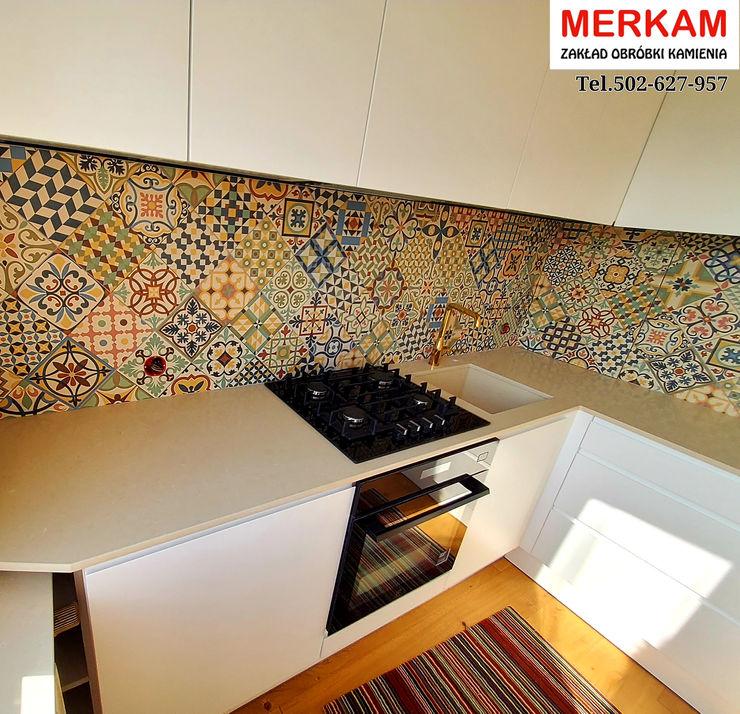 Merkam - Łódź ul. Św. Jerzego 9 Built-in kitchens Quartz Beige