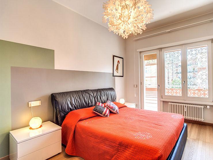 camera letto MOB ARCHITECTS Camera da letto piccola