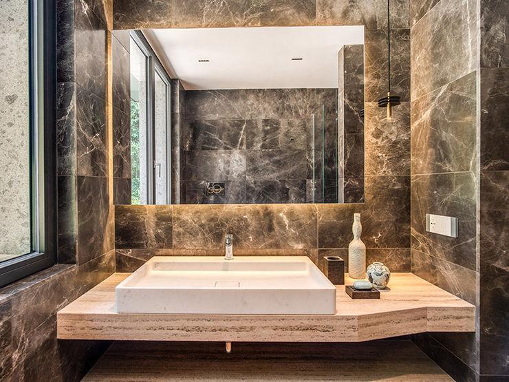 PALOMBARA MOB ARCHITECTS Bagno moderno