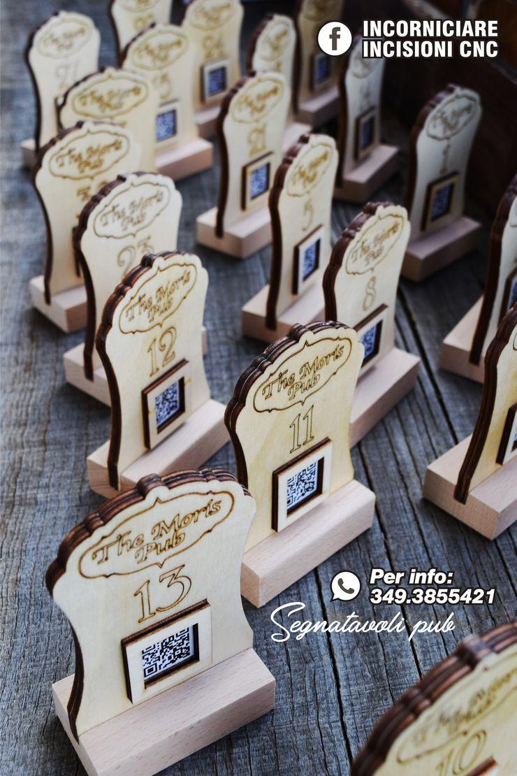 Segnatavoli in legno personalizzati INCORNICIARE Negozi & Locali Commerciali Legno composito