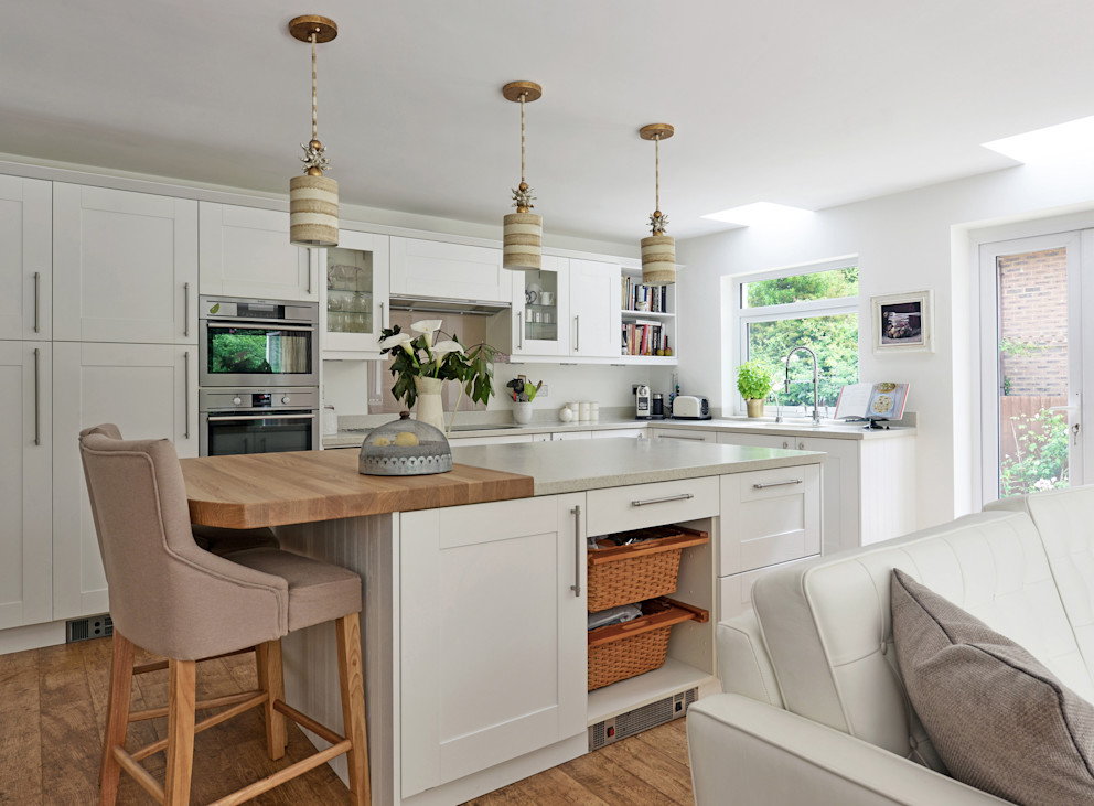 Contemporary take on a French Country Kitchen At No 19 Cozinhas ecléticas