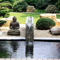 Kompletter Garten in München: asiatischer Garten von Kirchner Garten + Teich GmbH