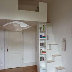 Dormitorios infantiles de estilo moderno por Christ & Holtmann