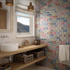 Metro White, Decor Patchwork 7,5x15: Baños de estilo mediterráneo de Equipe Ceramicas