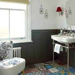Wimbledon: modern Bathroom by LEIVARS