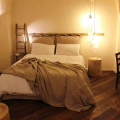 FondoVito B&B: Camera da letto in stile in stile Rustico di FRANCESCO CARDANO Interior designer