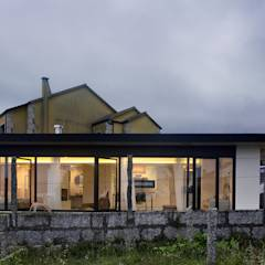 Vivienda en Villagarcía: Casas de estilo minimalista de Nan Arquitectos