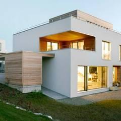 Sub & Add: moderne Häuser von Marty Häuser AG