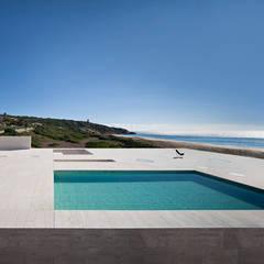 House of the Infinite: Piscinas de estilo moderno de Alberto Campo Baeza
