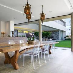 Salas de jantar modernas por Daffonchio & Associates Architects
