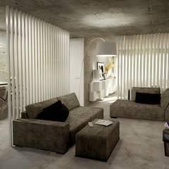 Open Space: Salas de estar industriais por Santiago | Interior Design Studio