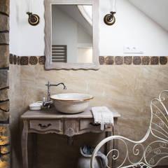 Projekt 48 _  łazienka na piętrze: styl translation missing: pl.style.Łazienka.rustykalny, w kategorii Łazienka zaprojektowany przez k.halemska