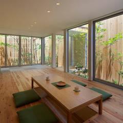 西三国の家 House in Nishimikuni: arbolが手掛けたtranslation missing: jp.style.リビング.modernリビングです。
