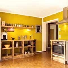 Küchenzeile: rustikale Küche von edictum - UNIKAT MOBILIAR