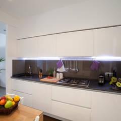 Appartamento Privato Rapallo: Cucina in stile in stile Minimalista di Studio_P - Luca Porcu Design
