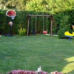 EDMİMARLIK INTERIOR STUDIO - GÖKTÜRK KEMERPARK EVLERİ: modern tarz Bahçe