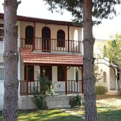 EDMİMARLIK INTERIOR STUDIO - AYVALIK ALTINOVA VİLLA: modern tarz Evler