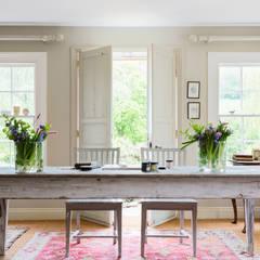Cabbages & Roses: rustik tarz tarz Pencere & Kapılar