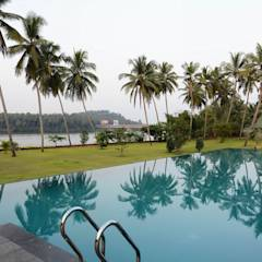 PRIVATE RESIDENCE AT KERALA(CALICUT)INDIA: classic Pool by TOPOS+PARTNERS
