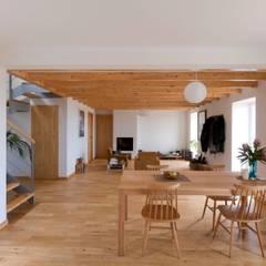 Quinta H | eco-remodelação| Madeira: Salas de jantar rústicas por Mayer & Selders Arquitectura