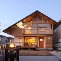 home sweet home: ATELIER TAMAが手掛けたtranslation missing: jp.style.家.country家です。