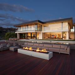 SUNSET STRIP RESIDENCE : modern Houses by McClean Design