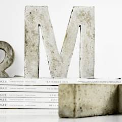 "Betonbuchstabe ""M"": translation missing: de.style.kunst-.modern Kunst  von mx 