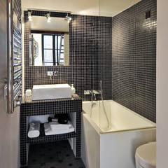 Salle de bain: Salle de bain de style de style Moderne par Marion Rocher