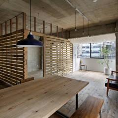 元浅草の住居: 蘆田暢人建築設計事務所 Ashida Architect & Associatesが手掛けたtranslation missing: jp.style.ダイニング.rusticダイニングです。