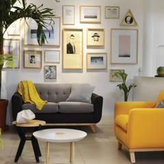 translation missing: id.style.ruang-keluarga.modern Ruang Keluarga by Clorofilia