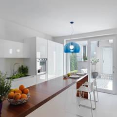 LA CUCINA: Cucina in stile in stile Minimalista di l.prem