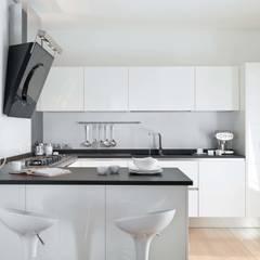 SANSON ARCHITETTI: Cucina in stile in stile Minimalista di SANSON ARCHITETTI