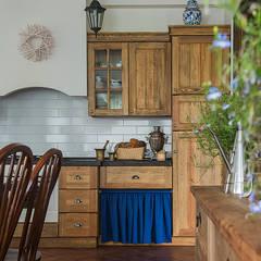 Загородный дом в скандинавском стиле: Кухни в translation missing: ru.style.Кухни.rustikalnyy. Автор - COUTURE INTERIORS