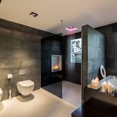 Baño spa relajante: Baños de estilo moderno de Laura Yerpes Estudio de Interiorismo