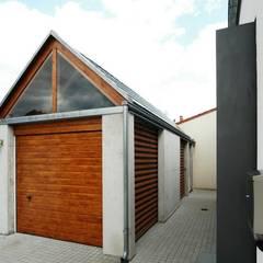 Garages de estilo moderno por architekten lenzstrasse dreizehn