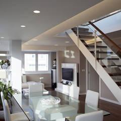 Reforma integral de piso: Comedores de estilo moderno de Intra Arquitectos