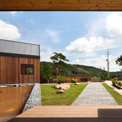 Ssangdalri House: hyunjoonyoo architects의 translation missing: kr.style.정원.modern 정원