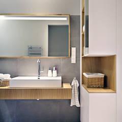Apartament SW: styl translation missing: pl.style.Łazienka.minimalistyczny, w kategorii Łazienka zaprojektowany przez PB/STUDIO