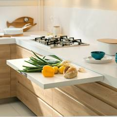 NEW! 2015 Kitchen: PORTLAND + ARCOS: scandinavian Kitchen by Schmidt Palmers Green