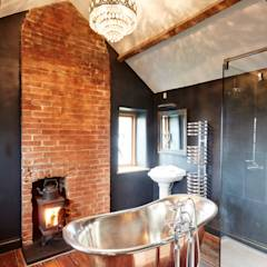 Country Bathroom: country Bathroom by Hart Design and Construction
