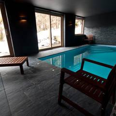 Chalet de Claude: piscine: Piscine de style de stile Rural par shep&kyles design
