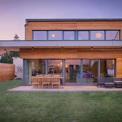 HAUS IN WR. NEUDORF: moderne Häuser von AL ARCHITEKT