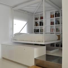 Ático Nube: Dormitorios de estilo minimalista de 2G.arquitectos