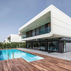 Bahadır Kul Architects - BK House: modern tarz Evler